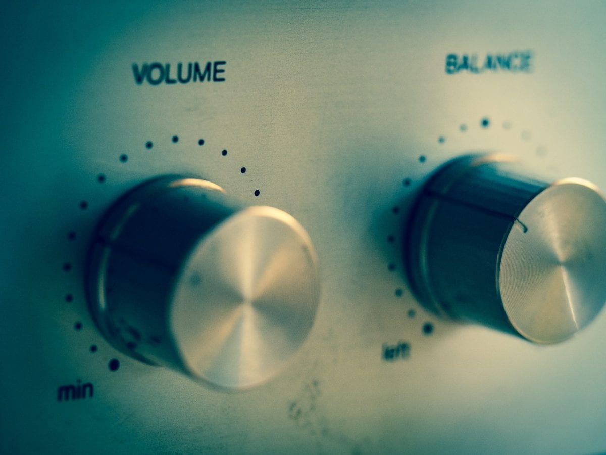 volume and balance dials